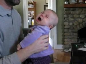 תינוקת בכיינית