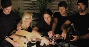חמישה על גיטרה אחת