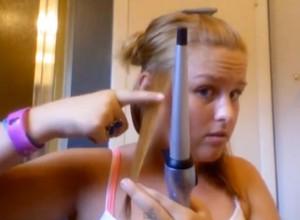 טורי שורפת לעצמה את השיער