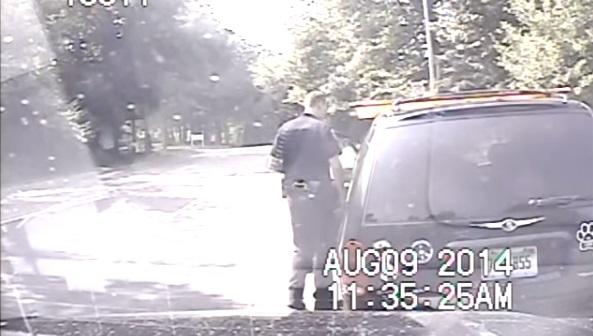 שוטר מציל נהגת 3