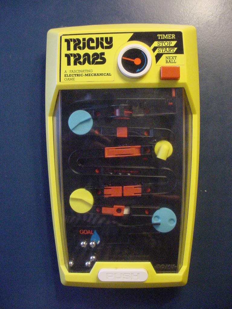 Tomy: Aaaaghh - Tricky Traps