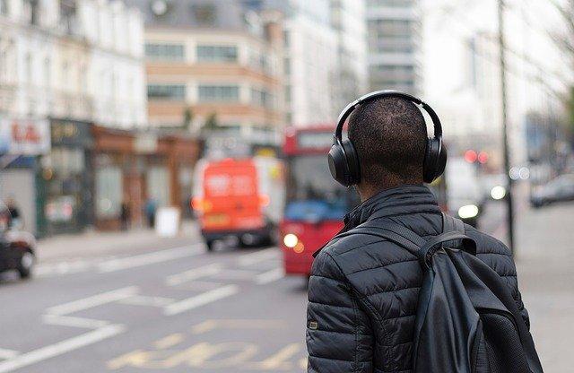 אוזניות אלחוטיות מומלצות 2